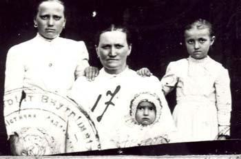 017 Annas Katarina med barn