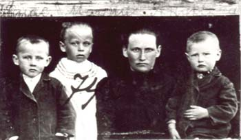 074 Annas Maria med barn
