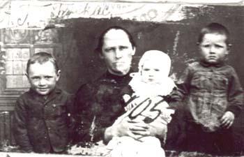 105 Buskas Annalisa med barn