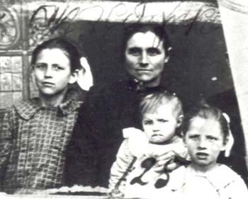 125 Buskas Katarina med barn
