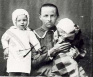 134 Buskas Maria med barn