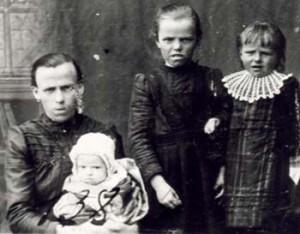 138 Buskas Matilda med barn