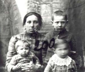 200 Hansas Berta med barn