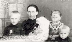 227 Hinas Rosalia med barn