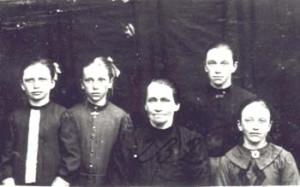 232 Hernberg Maria med barn