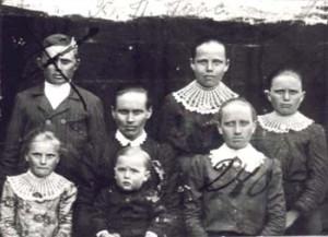 240 Hoas Katarina med barn