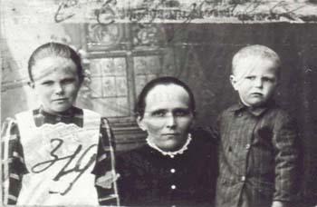 319 Knutas Sofia med barn