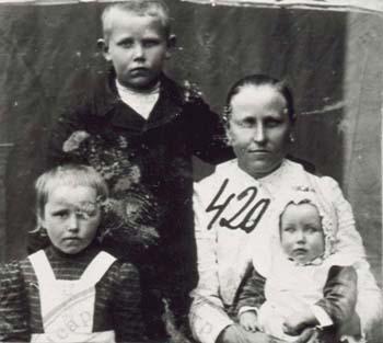 420 Norberg Maria med barn