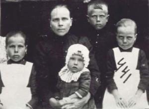 441 Portje Anna med barn