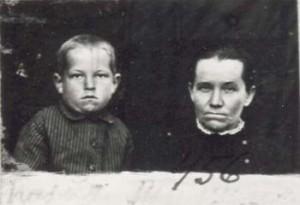 456 Tinis Maria med barn
