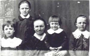 461 Utas Katarina med barn