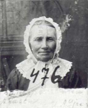 476 Utas Anna