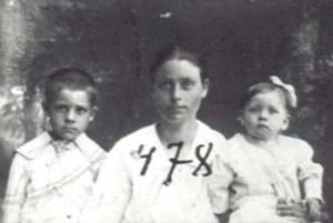 478 Utas Matilda med barn