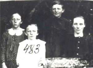 483 Utas Eugenia med barn