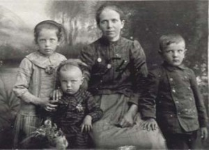 546 Utas Adelina med barn