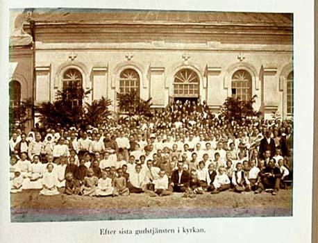 Uppställning efter sista gudstjänsten juli 1929
