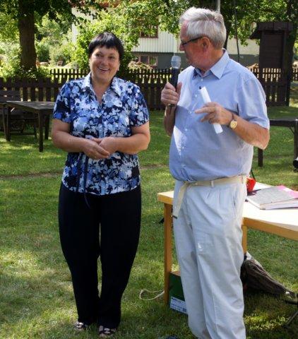 Rysktalande Sven Bjerlestam med den ukrainsk gästen Natascha från Gammalsvenskby